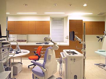すずらん耳鼻咽喉科 診察室